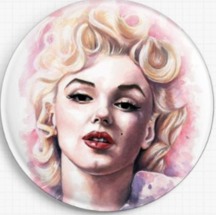 Marilyn By Emily Luella Licensed Art Needle Minder